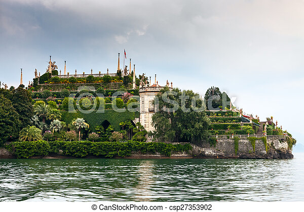 park on the island of Isola Bella. Italy - csp27353902