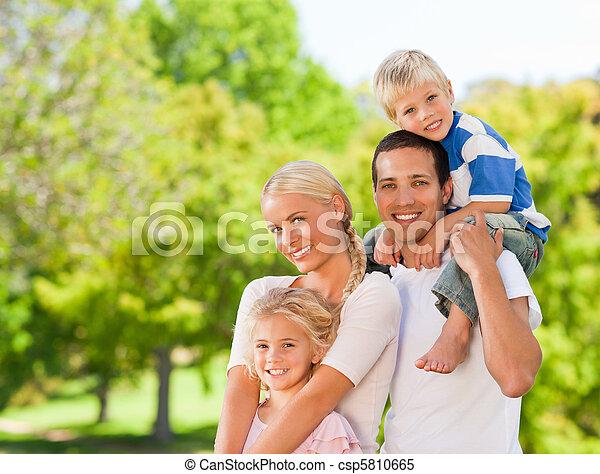 parkera, familj, lycklig - csp5810665