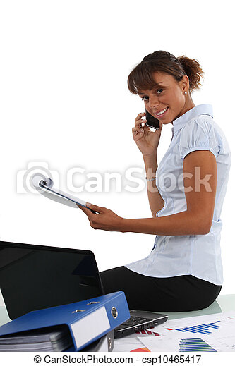 parlare, telefono, lei, ufficio, donna d'affari - csp10465417