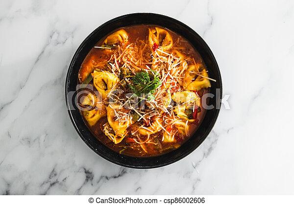 parmesan, tomate, vegan, dairy-free, tortellini, nourriture, aubergine, sauce, plant-based - csp86002606