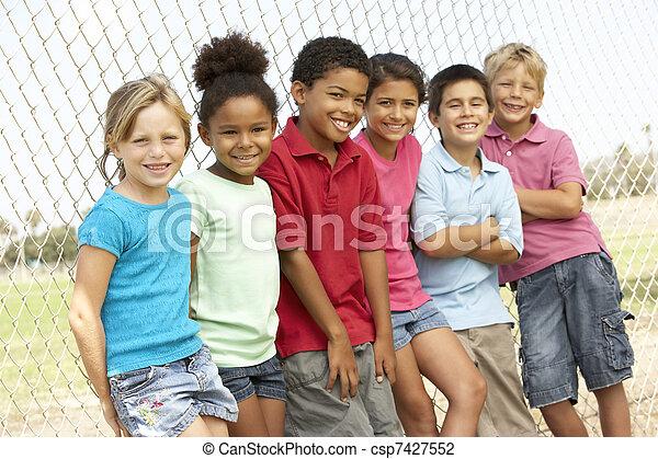 parque, grupo, juego, niños - csp7427552