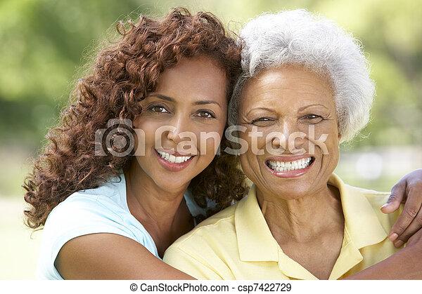 parque, mujer mayor, hija, adulto - csp7422729