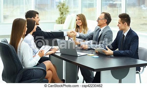 Partenaires moderne r union bureau affaires for Bureau de licence
