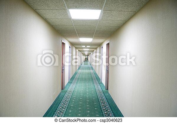 Al vestíbulo del hotel - csp3040623