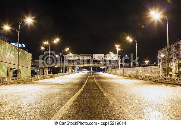 passage supérieur, route ville, nuit - csp15219014