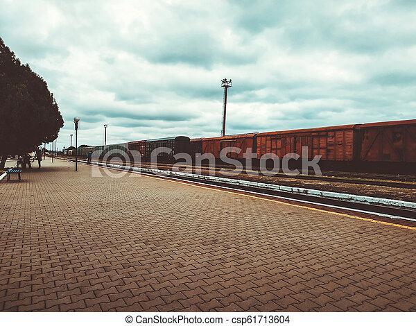 passager, vieux, passagers, plate-forme, rouillé, trains. - csp61713604