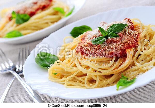 Pasta and tomato sauce - csp0995124