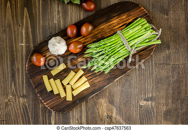 Pasta, asparagus and other vegetables - csp47637563