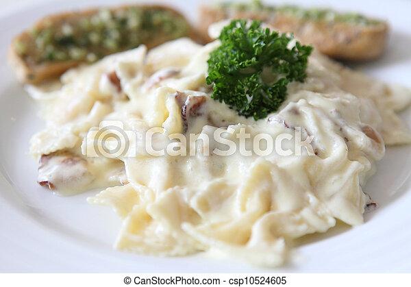 Verrassend Pasta, spek, witte , saus, farfalle. SX-11