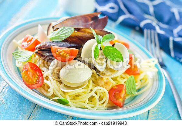 pasta with asparagus - csp21919943