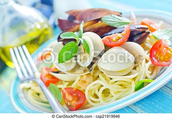 pasta with asparagus - csp21919946