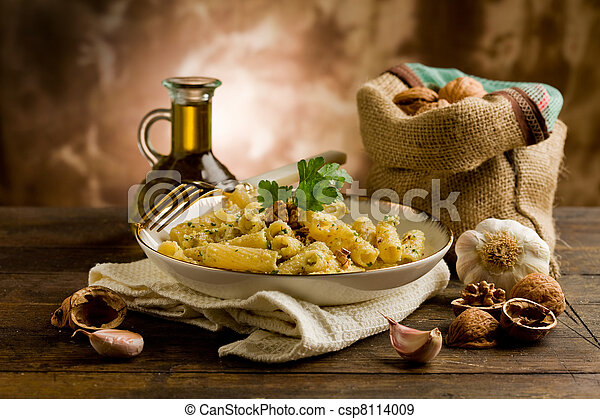 Pasta with Walnut pesto - csp8114009