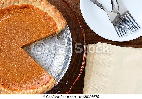 Rebanada de pastel de calabaza cortada - csp30306675