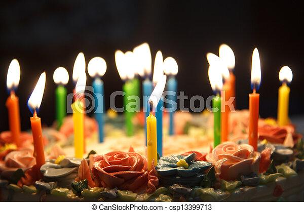 pastel, cumpleaños - csp13399713