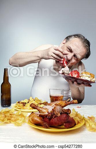 comiendo mucha comida