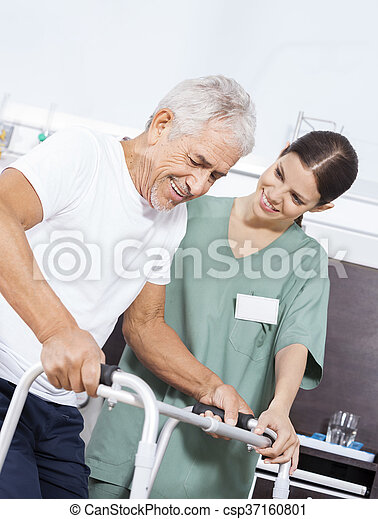 patiënt, centrum, het kijken, rehab, walker, gebruik, senior, verpleegkundige - csp37160801