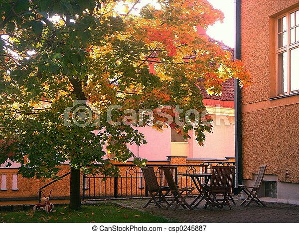 Al patio de la ciudad - csp0245887
