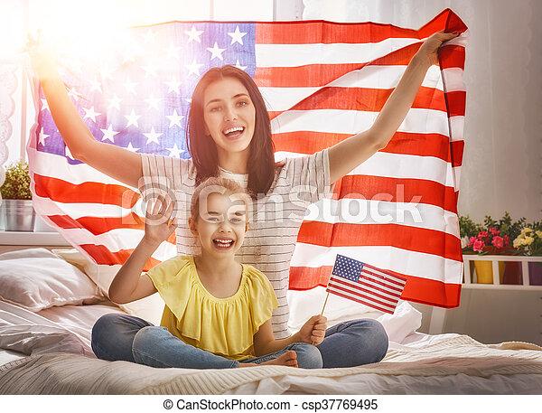 patriótico, feriado, familia , feliz - csp37769495