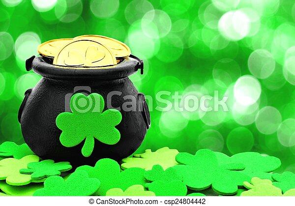 La decoración del día de St Patrick - csp24804442