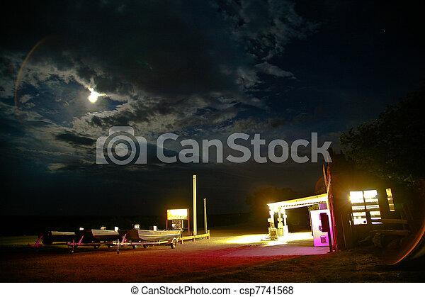patrouille, nuit, vieux, station - csp7741568