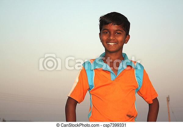 pauvre garçon, indien - csp7399331