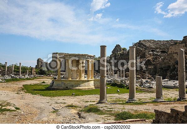 Las ruinas laterales en el pavo - csp29202002