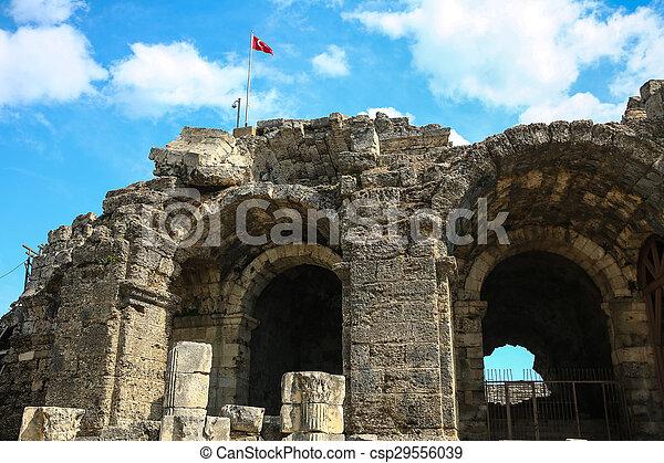 Las ruinas laterales en el pavo - csp29556039