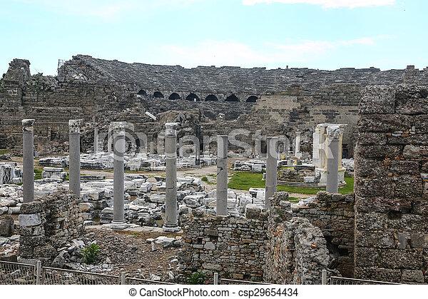Las ruinas laterales en el pavo - csp29654434