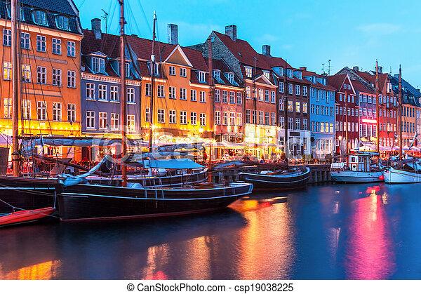 paysage, nyhavn, soir, danemark, copenhague - csp19038225