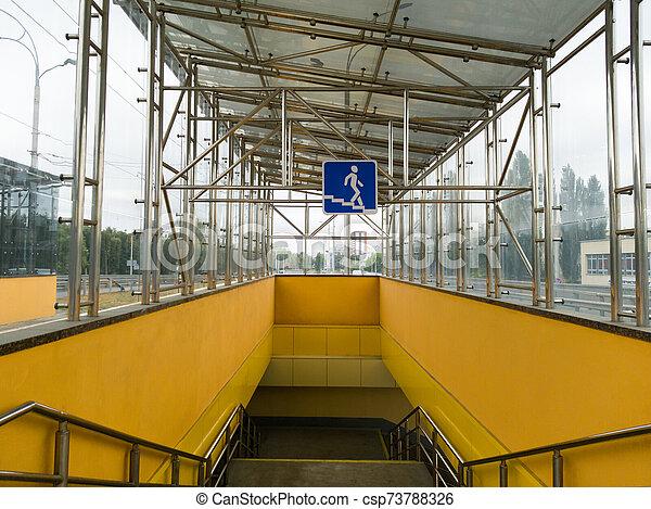 peatón, kiev, amarillo, entrada, crossing., 2019:, passage., azul, transición, cuadrado, 26, septiembre, ucrania, muestra de la ciudad, metro, vacío, cruce, - - csp73788326