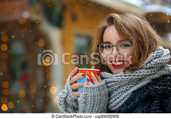 pelo, rizado, niña, café, alegre, bebidas - csp84092906