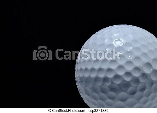 Bola de golf con fondo negro - csp3271339