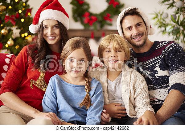 pendant, noël, portrait famille - csp42142682