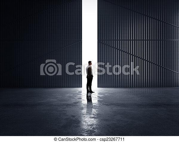 Pensando en un hombre de negocios - csp23267711