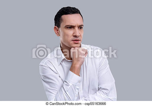 pensando, sério, dark-eyed, homem jovem - csp55163666