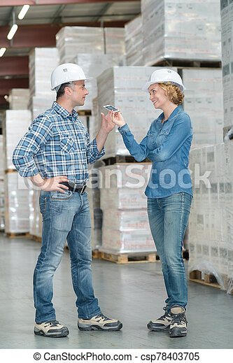 people are loading the shipment - csp78403705