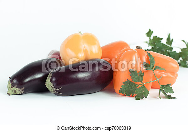 pepe, campana, prezzemolo, melanzane, sprigs, fondo., bianco - csp70063319