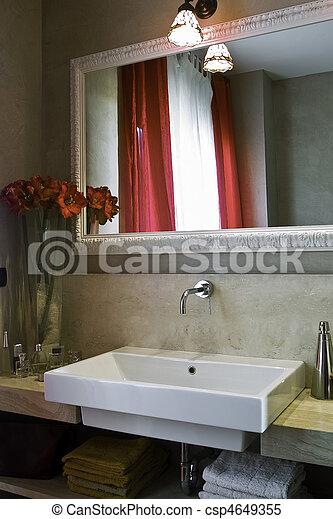 Pequeño, cuarto de baño, moderno. Pequeño, vaseof, moderno, flores ...