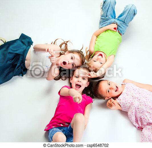 Niños pequeños - csp6548702
