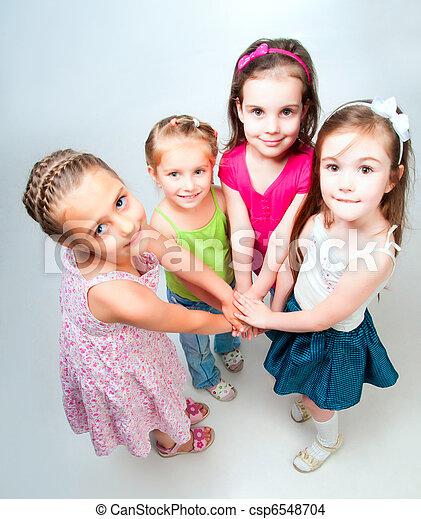 Niños pequeños - csp6548704
