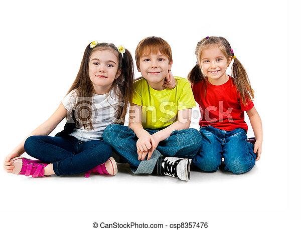 Niños pequeños - csp8357476