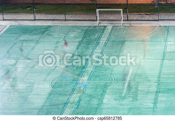 pequeno, campo, futebol, players., movimento - csp65812785