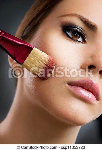 perfect, aan het dienen, cosmetic., base, make-up., make-up - csp11353723
