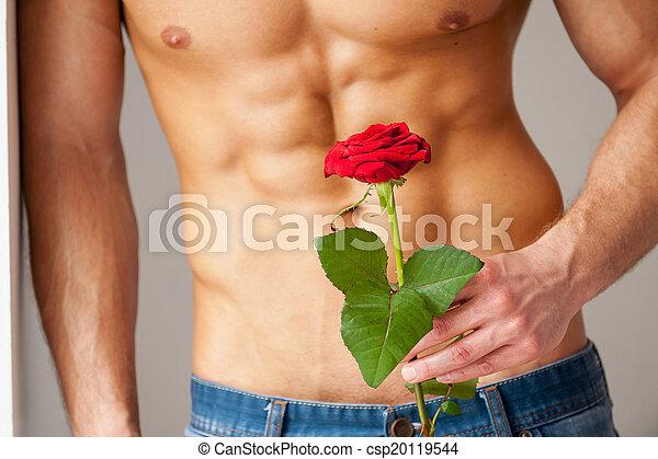 perfect, close-up, haar., muur, roos, jonge, gespierd, terwijl, vasthouden, neiging, verrassing, torso, rood, man - csp20119544