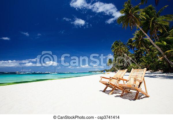perfeitos, férias - csp3741414