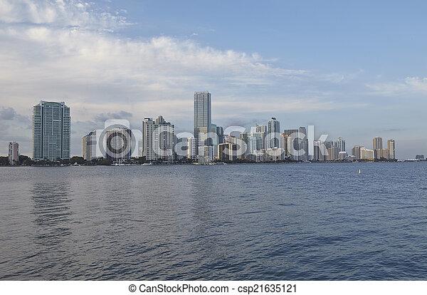 Miami City Skyline panorama de día - csp21635121