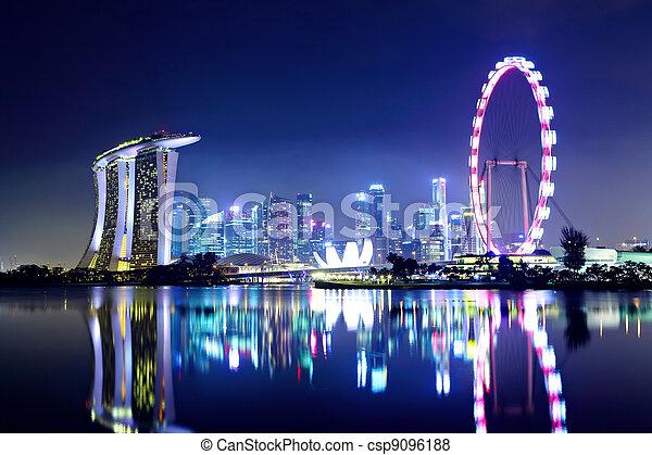 Singapur City Skyline por la noche - csp9096188