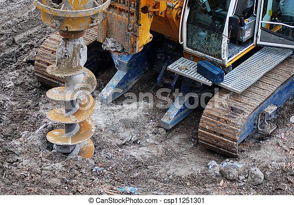 Taladrando la construcción - csp11251301
