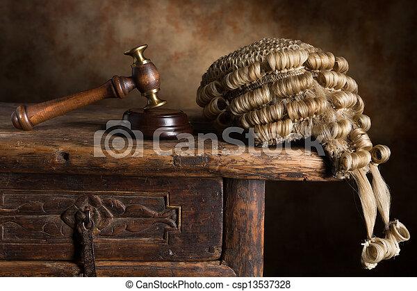 perruque, tribunal, marteau - csp13537328