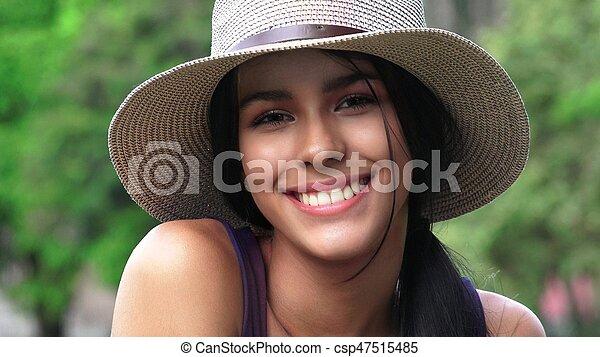 Gente sonriente y persona feliz - csp47515485